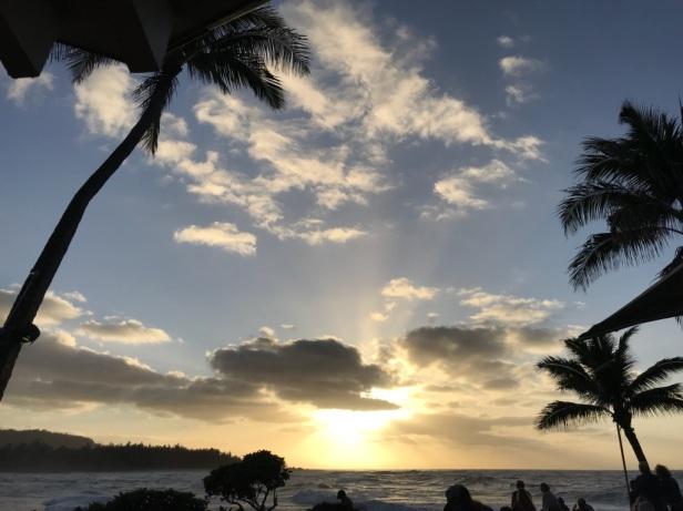 Hawaii sunset at bar
