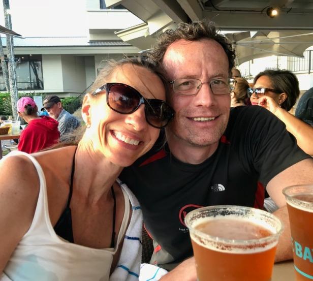 Hawaii us at the bar
