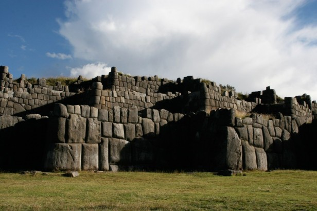 Sacsayhuam--n_walls